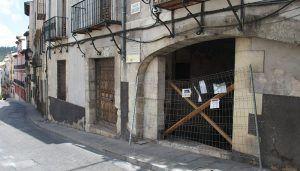 Los propietarios del inmueble causante de los desprendimientos en la calle Bajada de San Juan de Cuenca tienen 48 para instalar una barrera de protección