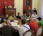 Mariscal atiende a las peticiones de los representantes de los trabajadores municipales
