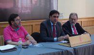 El Ayuntamiento de Cuenca y Cáritas firman un convenio que incluye como novedad el acompañamiento social a personas sin hogar