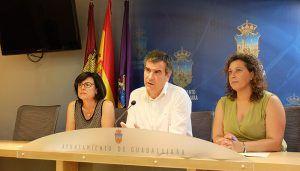 El Ayuntamiento de Guadalajara aprueba las convocatorias de emergencia social, con ayudas para familias y maternidad, y la convocatoria de ayudas a   emprendedores