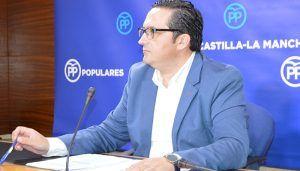 Lucas-Torres exige explicaciones a Page por llevar obreros figurantes para su visita a las obras del Hospital de Guadalajara