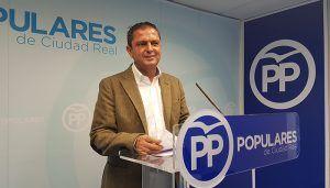 Martín-Toledano muestra su preocupación por la crisis migratoria que tiene desbordado al gobierno