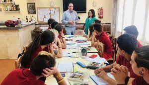 Prieto Debemos brindar a nuestros jóvenes oportunidades sólidas para trabajar y vivir en Cuenca y sus municipios