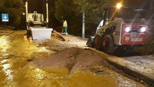 Cuenca amanece cubierta de lodo y piedras a causa de una tormenta que dejó más de 32 litros de agua por metro cuadrado
