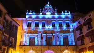 El Ayuntamiento de Cuenca inaugurará su fachada restaurada con una exposición y el encendido de su iluminación ornamental