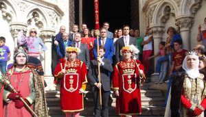 El Ayuntamiento de Cuenca reconoce la labor del Cabildo Catedralicio en la salvaguardia de la festividad de San Mateo