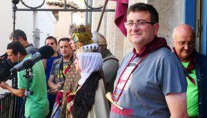 El pregón de Juan Carlos Aguilar y el multitudinario desfile de peñas inician las fiestas de San Mateo