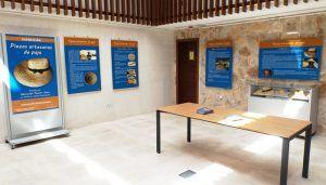 La exposición de piezas artesanas en paja en la Posada del Cordón se prolonga hasta finales de octubre