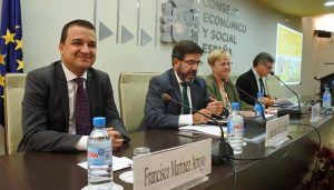 La Junta aboga por una discriminación positiva en el acceso a las ayudas públicas a favor de quienes viven en los pueblos