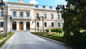 Los jardines de la Diputación de Cuenca serán este sábado escenario de una exposición de coches clásicos