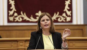 Valentín recrimina a Page su falta de humanidad y le acusa de discriminar a las mujeres que han sufrido cáncer de mama en Cuenca o Ciudad Real