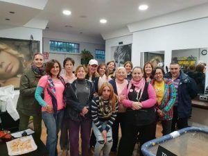 Éxito del Mercadillo Solidario organizado por las mujeres emprendedoras de la urbanización El Coto en El Casar, con motivo del Día Mundial contra el cáncer de mama