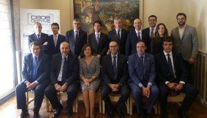 Empresarios, familia y administraciones acompañan a Abraham Sarrión al recibir el premio CECAM