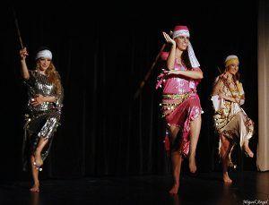 Folclore árabe en el Moderno el sábado, 3 de noviembre