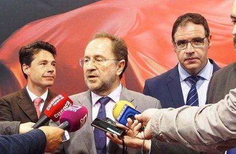 Julián Huete lamenta la falta de lealtad institucional de Guijarro y Godoy al romper el funcionamiento de la mesa de trabajo en relación con la conexión del hospital