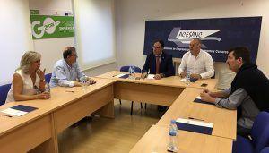 Los empresarios de San Clemente y Benjamín Prieto analizan la situación económica de la comarca