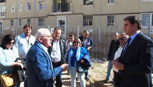 Mariscal informa a los vecinos del parking de Astrana Marín sobre los avances en las obras de construcción