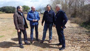 """Parra pone a la Junta en su sitio """"La Diputación arreglará 10.000 kilómetros de caminos, mientras la Junta se conforma con 209"""""""