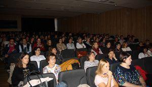 Profesionales sanitarios y pacientes, reunidos en la I Jornada de Cuidados organizada por la Gerencia del Área Integrada de Cuenca