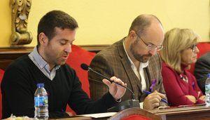 Cs Guadalajara saca adelante sus propuestas para revisar la red de autobuses y establecer ayudas al alquiler para jóvenes