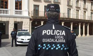 Detenido en Guadalajara por agredir a dos agentes que mediaron tras una fuerte discusión de una pareja