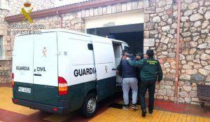 Detienen en Torija a cinco personas por robar 110 litros de gasoil de una nave agrícola de Trijueque