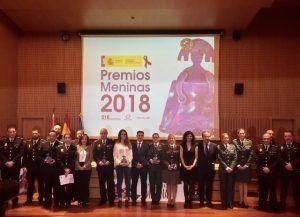 El delegado del Gobierno, Manuel González Ramos, entrega el Premio Meninas 2018 a la Policía Local de San Clemente