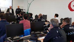 El Gobierno regional forma a una veintena de policías locales de Cuenca sobre el uso y la regulación de los drones