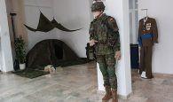 Inaugurada una exposición de uniformidad del Ejército de Tierra en la Subdelegación de Defensa de Cuenca