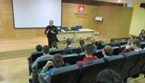 La Policía Nacional Guadalajara pone en marcha el curso de ciberexperto para prevenir riesgos para nuestros jóvenes a través de las redes sociales