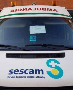 Los trabajadores del transporte sanitario de Castilla-La Mancha denuncian que la empresa paga las nóminas fuera de plazo