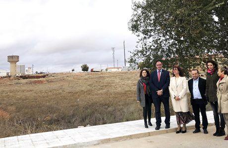 Prieto comprueba las obras de acondicionamiento y renovación de redes en cinco calles de San Clemente