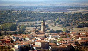 Roban el gasoil de la iglesia de Alcolea del Pinar el mismo día en que los vecinos se reúnen hartos de tantos robnos
