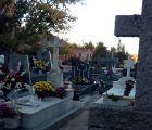 Un millar de personas se dan cita en Brihuega, en el cementerio, a la hora de los responsos para honrar a sus deudos