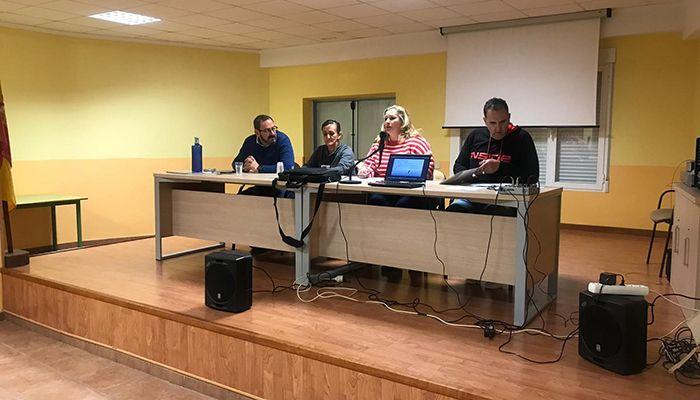 El director general de Coordinación y Planificación acompaña a la Asociación de Vecinos 'Juan de Goyeneche' de Illana en la celebración del 40 aniversario de la Constitución
