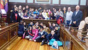 Escolares de 6º de primaria del CEIP La Paz de Azuqueca visitan el Palacio Provincial de Guadalajara