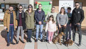 Hogar Amigo fomenta la adopción de perros desde Cabanillas