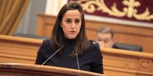 """Roldán """"Como Page va en coche oficial, poco le importa lo que suceda con el servicio de transporte de autobús en Castilla-La Mancha"""""""