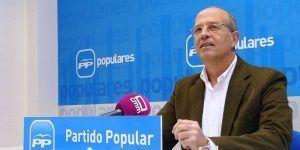 """Tortosa denuncia que Page, por su nerviosismo, manda salir a su portavoz a insultar a los castellano-manchegos, a los que ha llamado """"simples"""""""