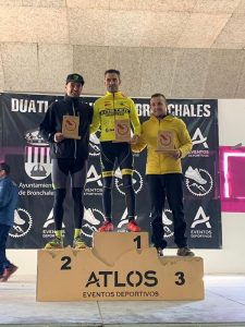 Ángel Llorens logra el tercer puesto en la general en el exigente duatlon invernal de Bronchales