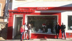 Asociación del Comercio de Cuenca y Ayuntamiento premian al escaparate ganador del concurso de Navidad