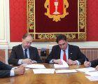 El Ayuntamiento de Cuenca y CaixaBank suscriben un anticipo de recaudación por importe de 12 millones de euros