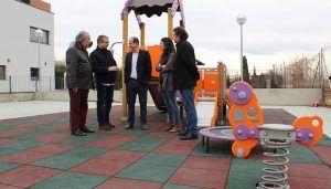 La Junta subvenciona el acondicionamiento del patio del centro para personas con autismo de APANAG, donde además tiene concertadas dos aulas TEA