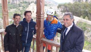 Llorens transmite su apoyo al alpinista Pedro Cifuentes por su participación en un rescate en el Fitz Roy