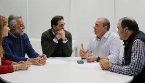 Núñez y Monago se comprometen con los castellano-manchegos y extremeños en la defensa de un tren digno, frente al abandono del PSOE de Sánchez, Page y Vara
