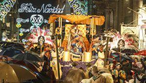 Ocho vistosas carrozas, más de 350 figurantes, cien animales, música y bailes, acompañarán a Melchor, Gaspar y Baltasar en la tradicional Cabalgata de Reyes de Guadalajara