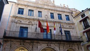 El Ayuntamiento de Cuenca repartirá 30.000 folletos con el calendario y toda la información fiscal del contribuyente