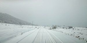 El dispositivo invernal de la Diputación de Cuenca actúa contra las placas de hielo en dieciocho carreteras de La Serranía
