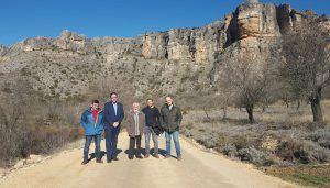El Gobierno regional y la Diputación de Cuenca invierten 148.000 euros en acondicionar seis caminos rurales en cuatro localidades