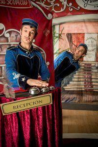 Este sábado, espectáculo de teatro, magia y humor en Cabanillas con A su servicio
